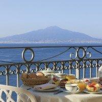 Hotel Ambasciatori Sorrento colazione in terrazzo panoramico