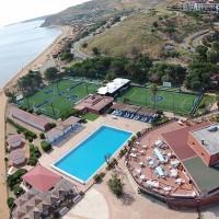Club Casarossa Resort