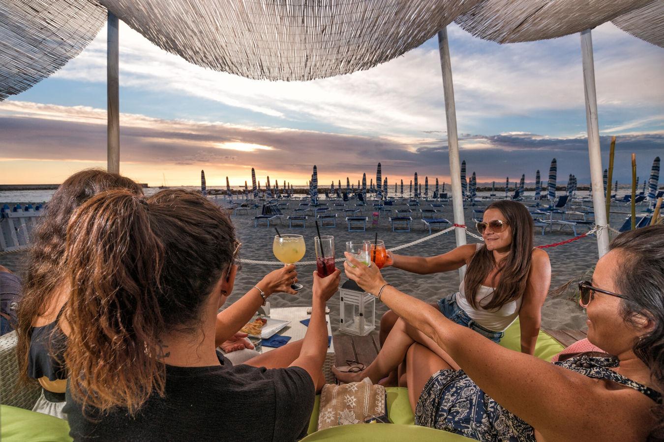 Ristorante Seasons and Beach Bar aperitivo in spiaggia