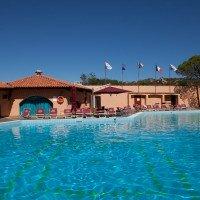 Villaggio Cala Bitta Sardegna piscina