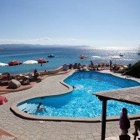 Shardana-Santa-Teresa-di-Gallura-piscina-1