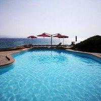 Shardana-Santa-Teresa-di-Gallura-piscina-mare-2