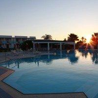 Selinunte Beach Resort piscina 3