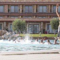 Eco Resort dei Siriti animazione bordo piscina