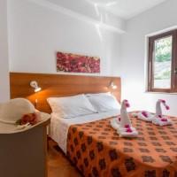 Villaggio Club Bahja dettagli camera matrimoniale