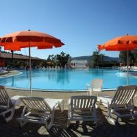 Pizzo-Calabro-Resort-bordo-piscina