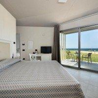 Hotel Resort Casteldoria  matrimoniale vista mare 2