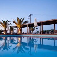 Forever Summer Resort dettagli piscina