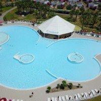 Club Esse piscina cassiodoro con pool bar