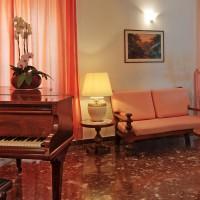 Hotel La Luna hall