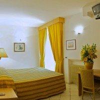 Hotel La Luna camera matrimoniale