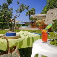 Hotel La Luna dettagli giardino